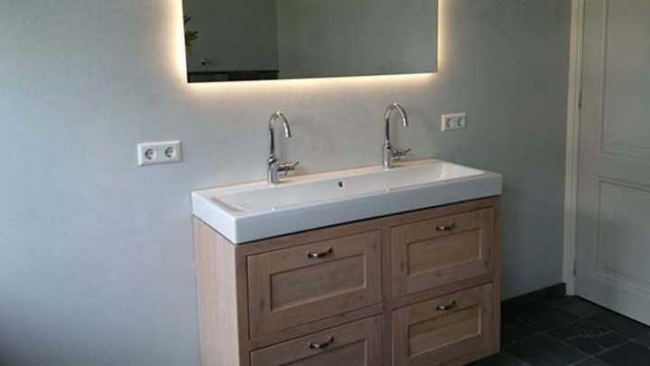 massief houten badkamermeubel op maat gemaakt